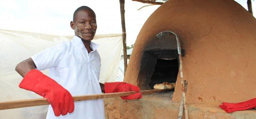 Fazira Nassoro, a 23-year-old Palma resident, graduated from the 4th cycle of the Catalisa Youth program, during which he opened a bakery