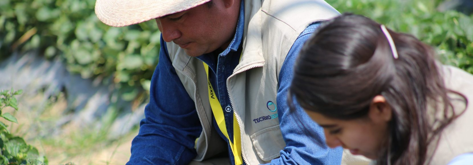 TechnoServe employee leads income generating training in Mexico
