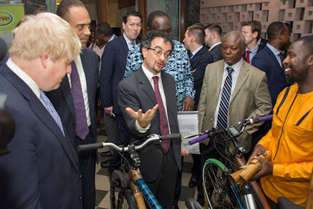 Boris Johnson meets the CEO of bamboo bicycle company Booomers International