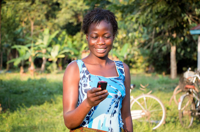 Women utilizing the digital access and opportunities
